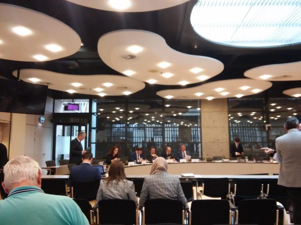 Foto van Tweede Kamer bij een hoorzitting