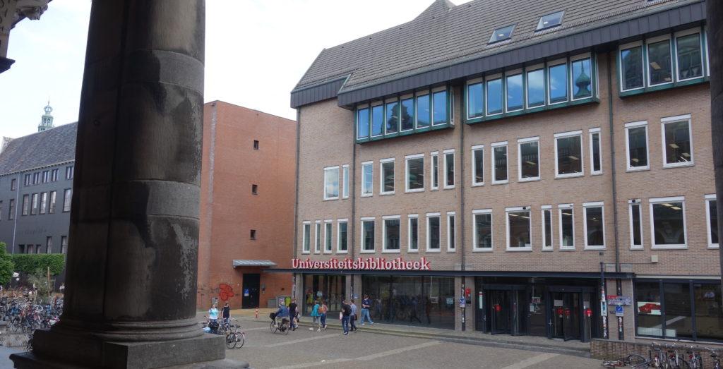 Foto van het RUG Academiegebouw de RUG Universiteitsbibliotheek aan het Broerplein
