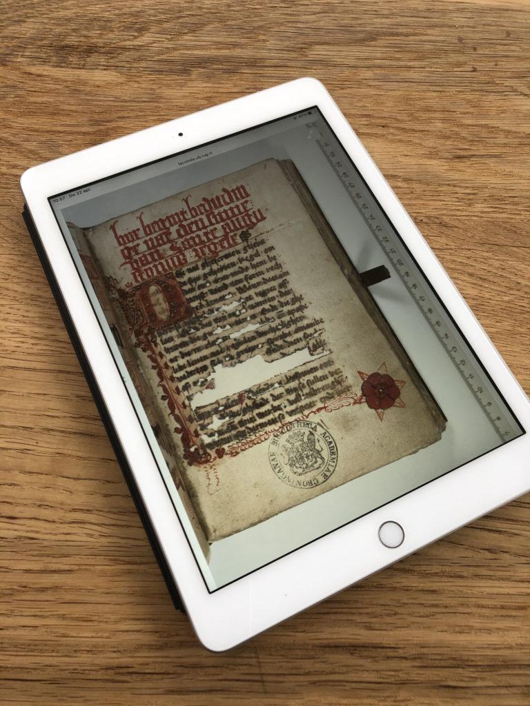 Foto van Ipad met app van Kleitablet tot tablet